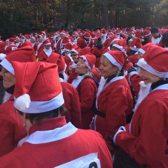 Hundreds of joggers dressed as Santa