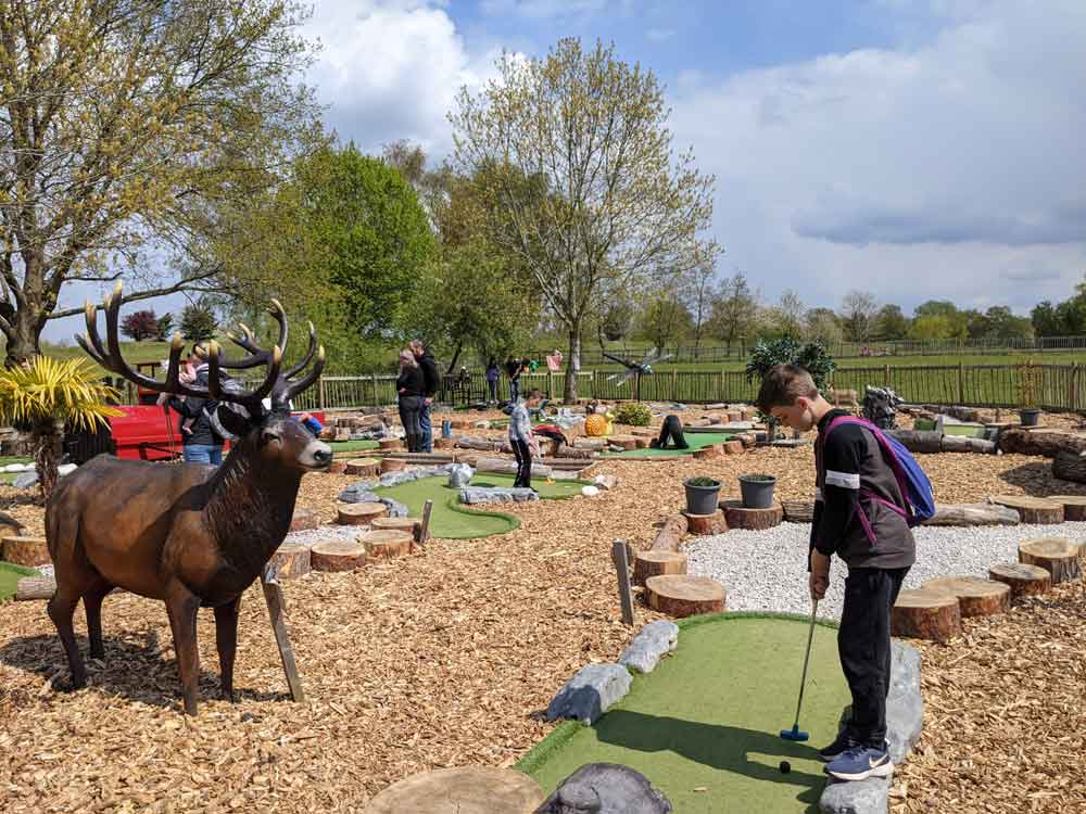 Golf at Dinton Pastures, Berkshire, UK